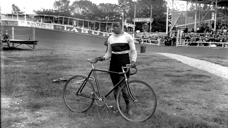 Major Taylor at the Vélodrome Buffalo in 1908